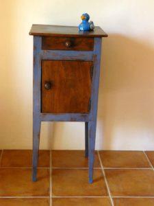 Chevet campagnard bleu