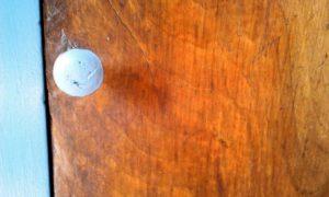 porte chevet bouton