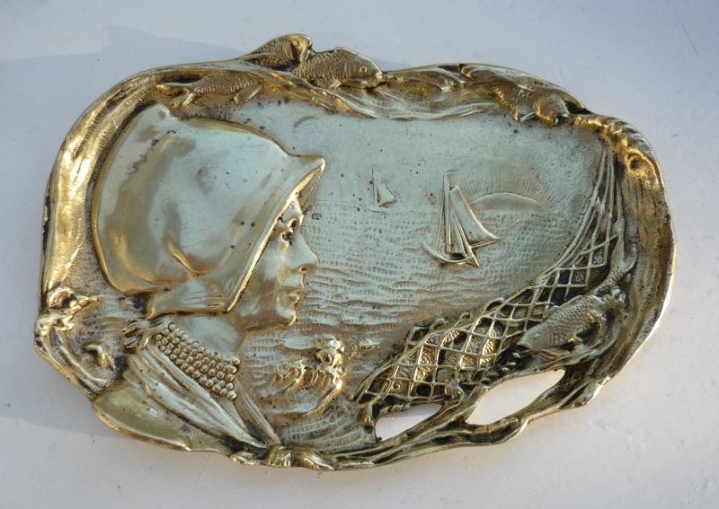 vide-poche-bronze femme mer