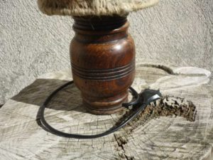 Pieds lampe en bois détail